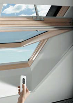 Designo R4/R6 RotoTronic - дистанционно - управляемое, с электроприводом поворотные окна